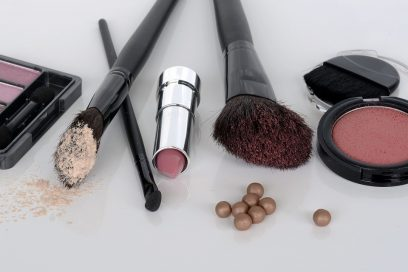 diverse artikelen kranten make-up